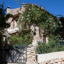 Villa an der Treppe zum Kalvarienberg