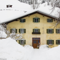 altes Haus am Ortseingang von Holzgau im Lechtal