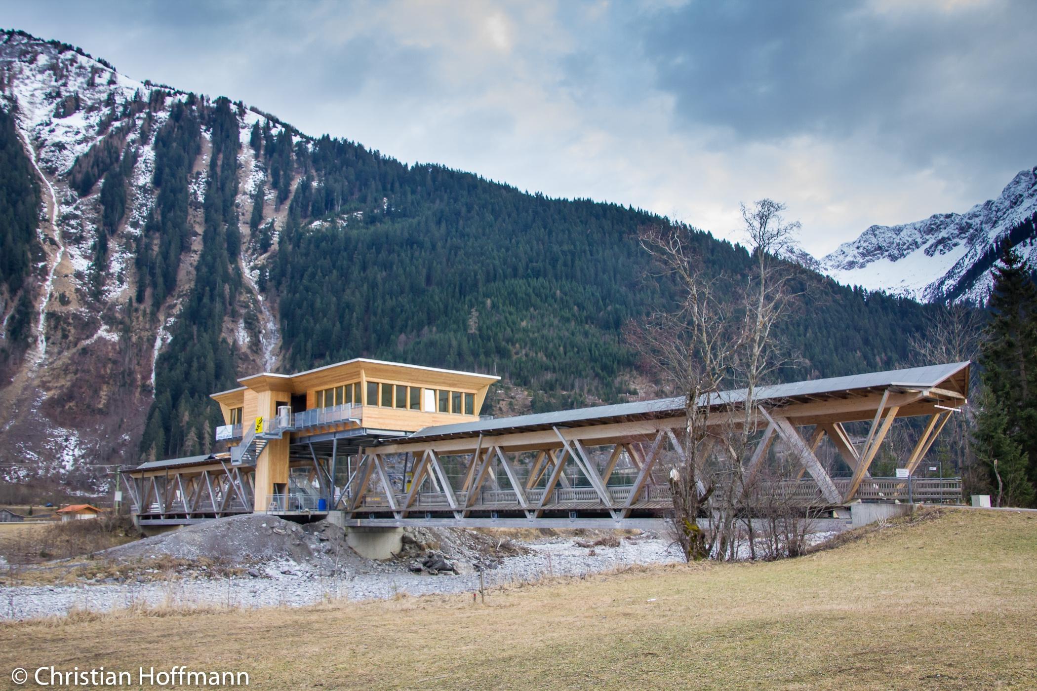 Naturparkhaus auf der Brücke