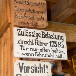 Holländerwindmühle Straupitz - Hinweisschilder